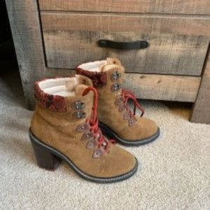Women's Aldo size 7 lined hiking boots